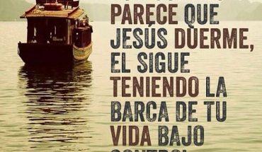 Aun cuando parece Jesús duerme, el sigue teniendo la barca de tu vida bajo control